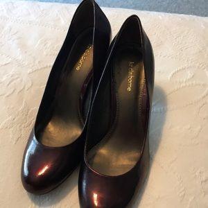 Liz Claiborne burgundy Patton leather pumps